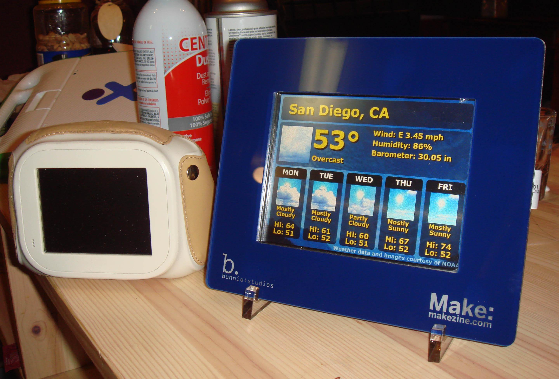 Add a VGA LCD to a Chumby « bunnie's blog